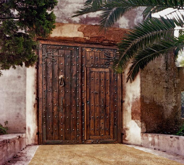 Portones de madera antiguos la imagen de una foto de - Portones de madera antiguos ...