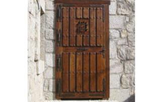Puerta rústica Ronda con abertura hacia fuera (Madrid)