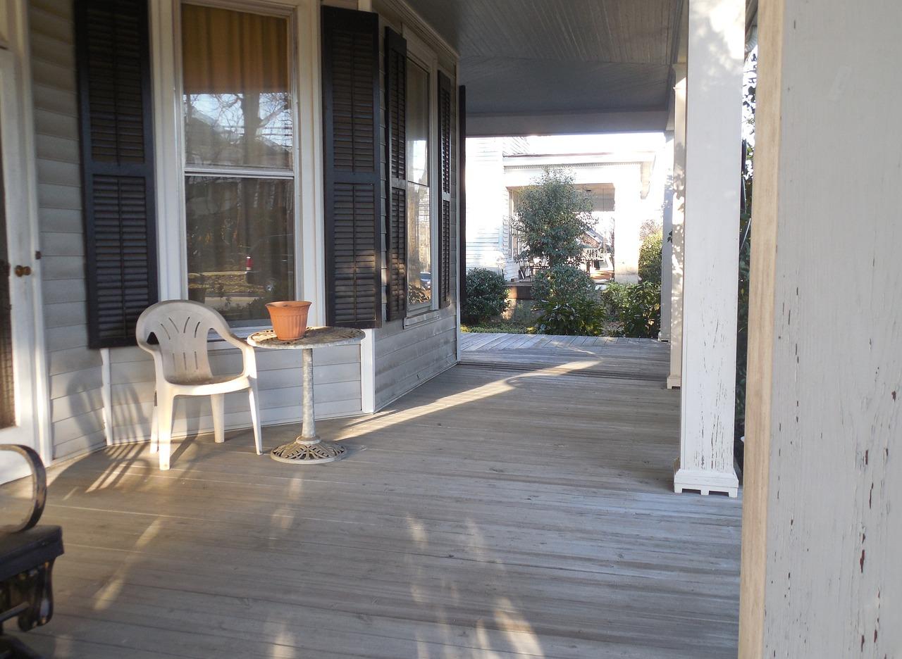 macizas de seccin cuadrada nuevas o antiguas o de madera laminada el empleo de madera antigua en los pilares de un porche